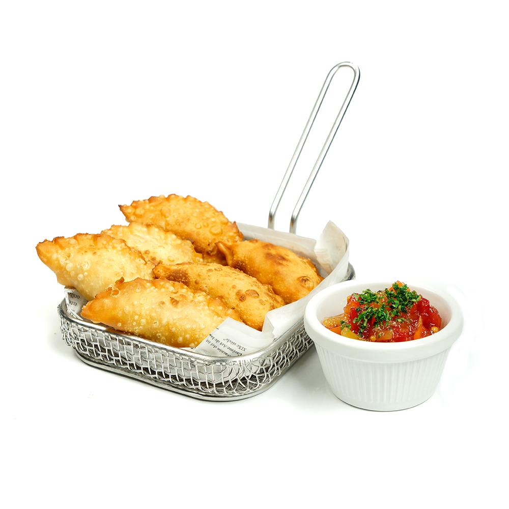 Empanades de tonyina i ou amb chutney de hortalisses